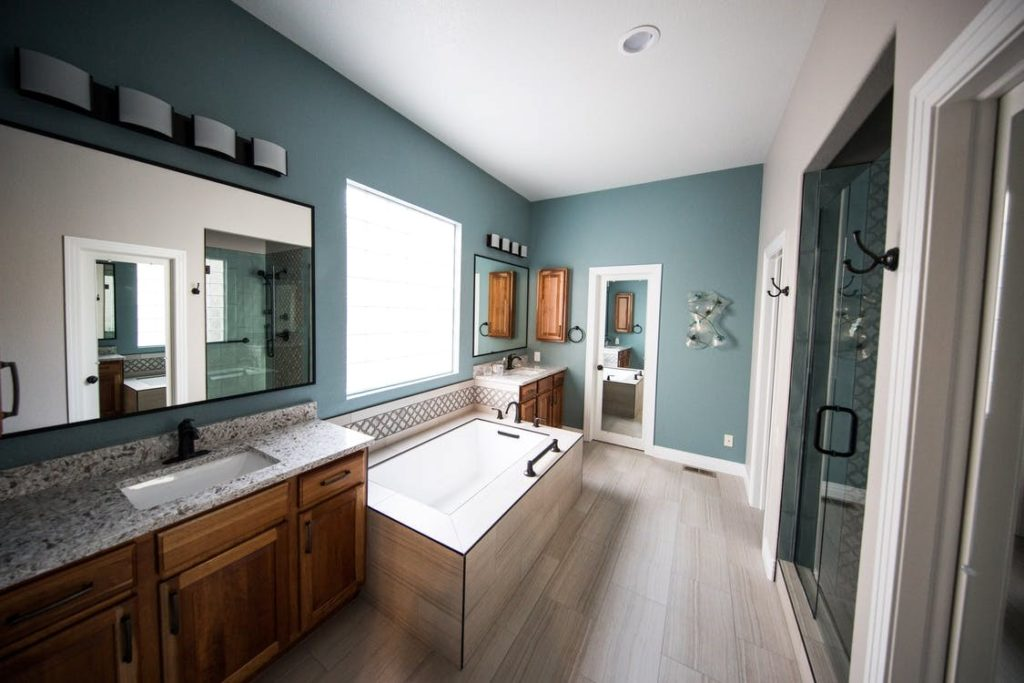 Grey Tones in timber trimmed Bathroom